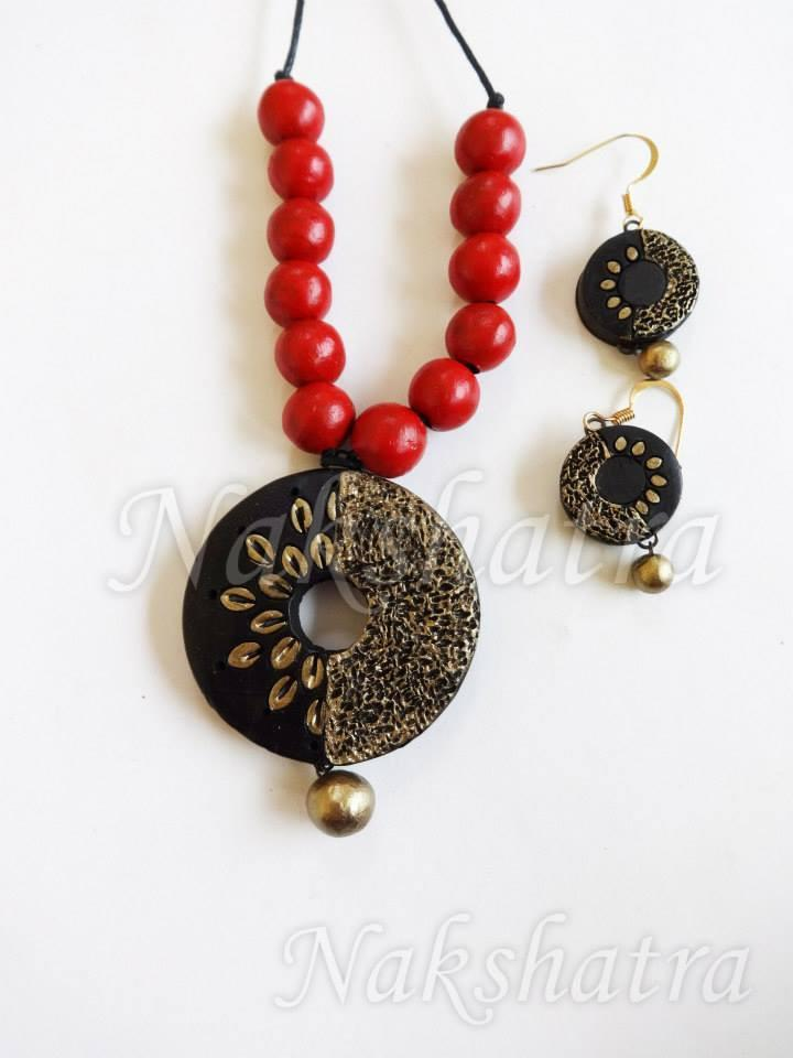 Black And Golden Colour Terracotta Necklace Set