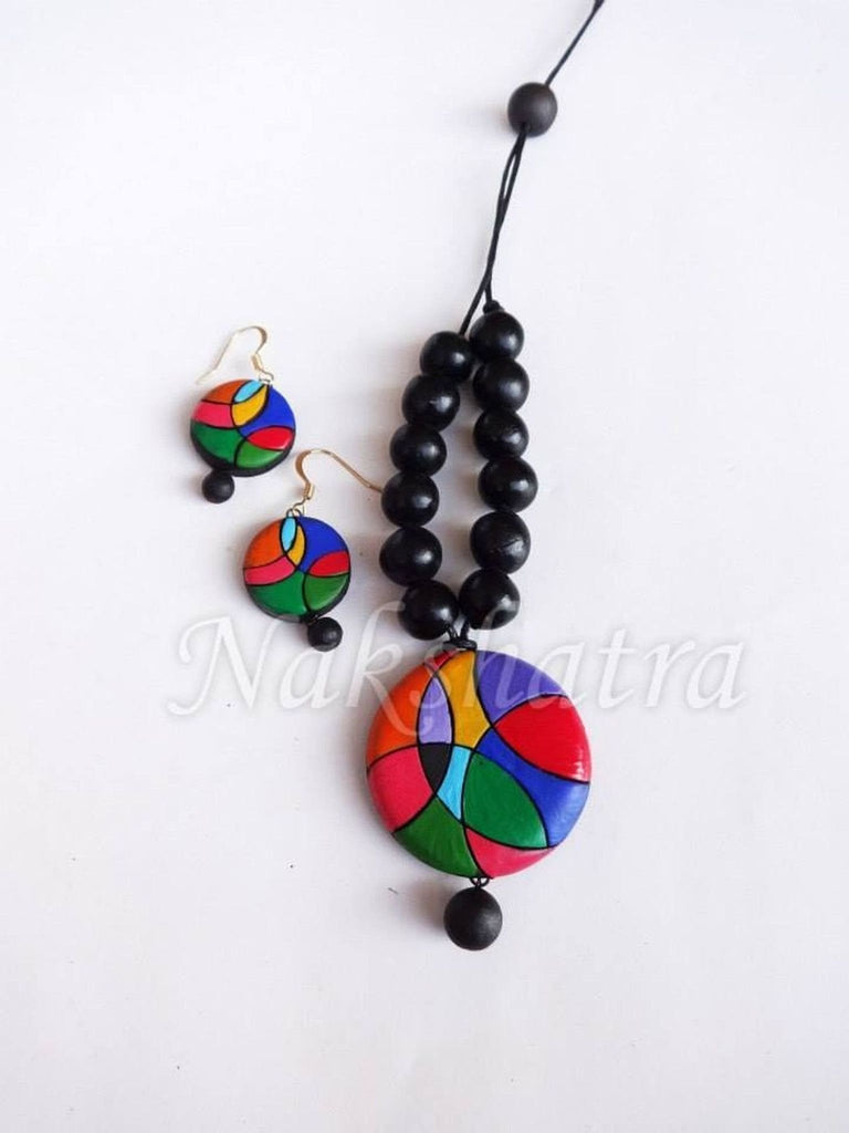 Multi-Color Neck Piece For Casual Wear