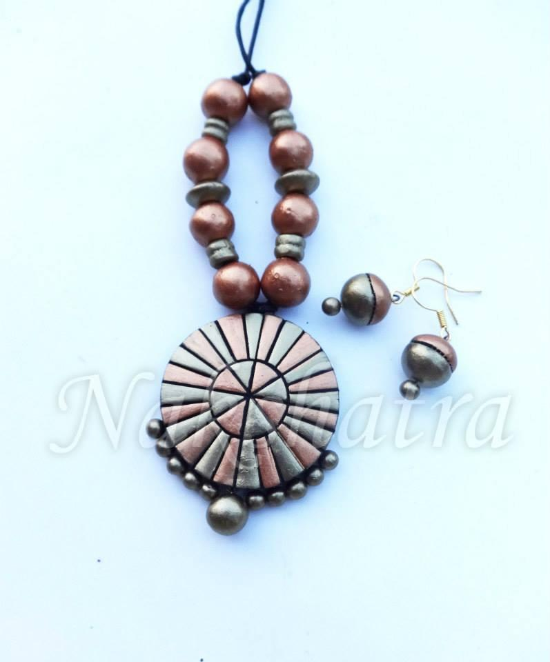 Gold And White Colour Terracotta Necklace Set