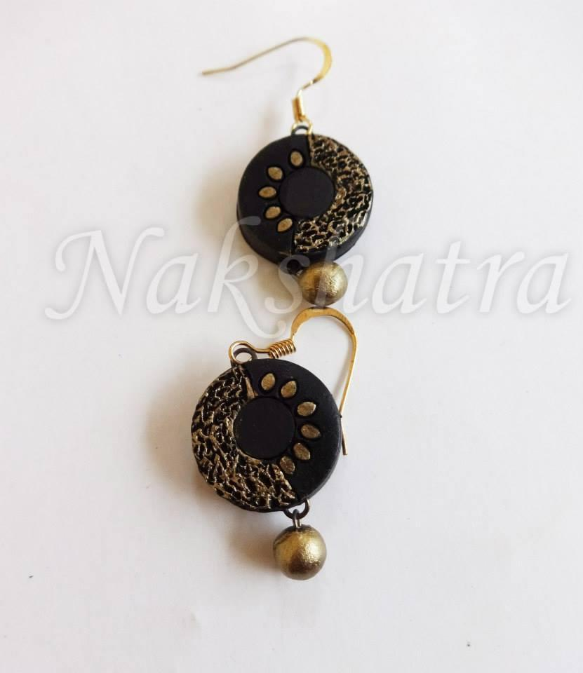 Black & Golden Colour Terracotta Stud Earring