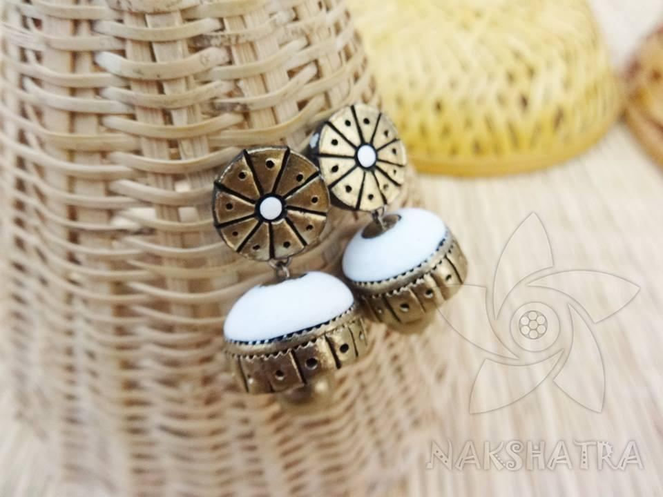 White And Gold Colour Terracotta Earring