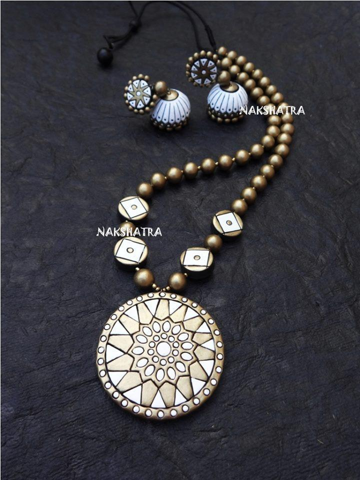 Gold And White Color Terracotta Necklace Set