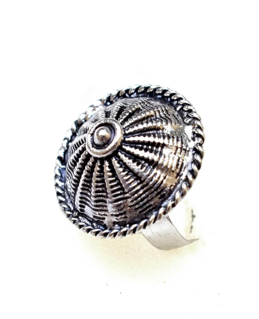 Adjustable Finger Ring In Oxidized Metal Round Motif 1