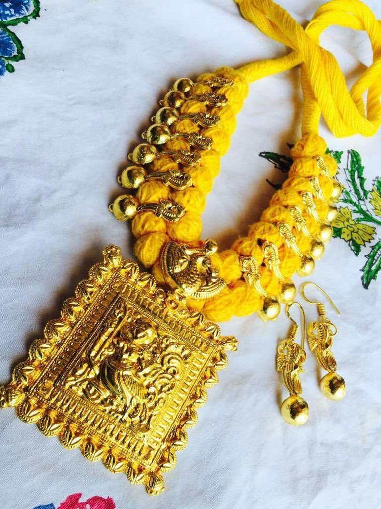 Oxidised Gold Temple Necklace Set With Yellow Dori