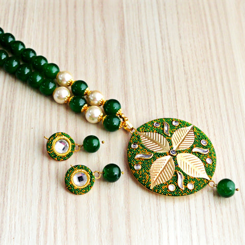 Dark Green Colour Beads Leaf Design With Kundan Meenakari Necklace Set
