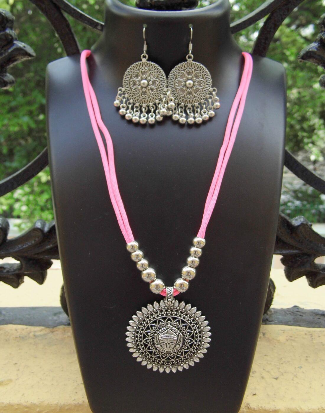 GiftPiper Oxidized Metal Threaded Necklace Set -Baby Pink