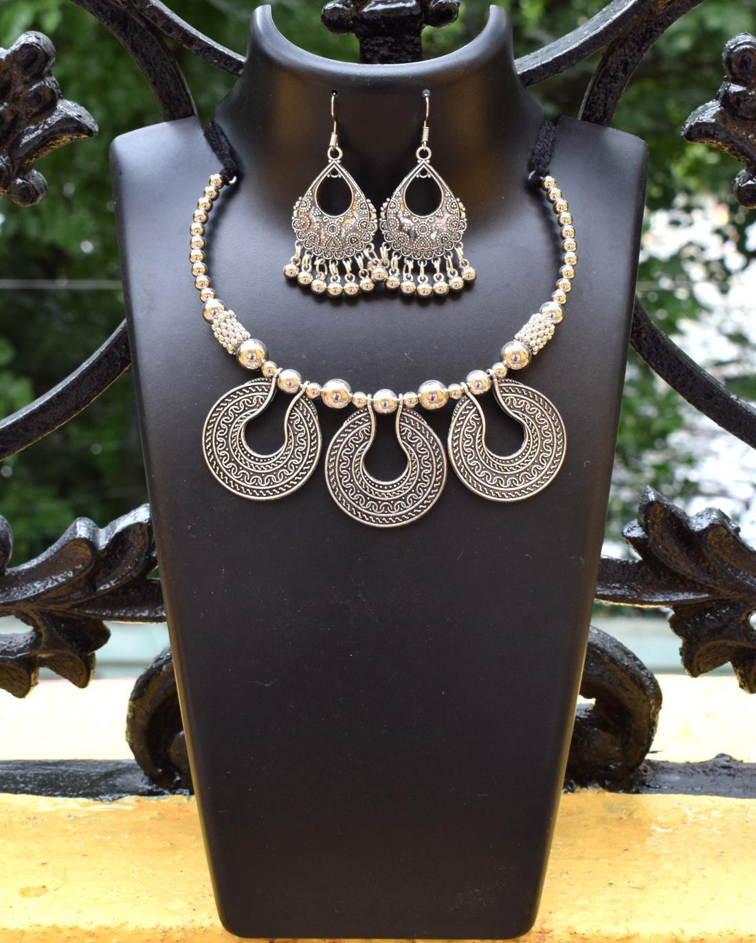 GiftPiper Oxidized Metal Jewellery Set- Pendant
