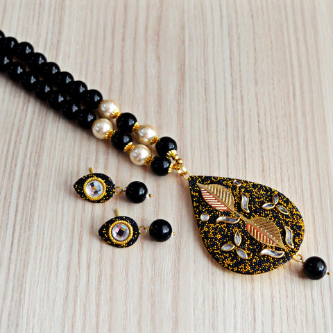 Black Colour Beads Leaf Design With Kundan Meenakari Necklace Set