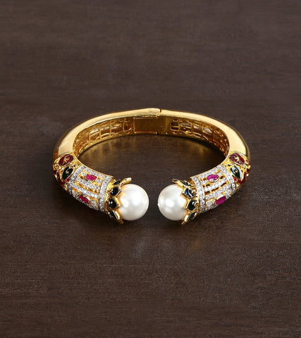 22 Carat Gold Plated Adjustable Bracelet With High Quality Kundan