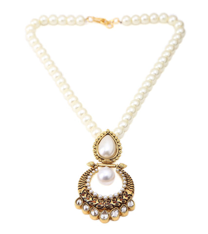 Pearl Stringed With Kundan And Jadau Pendents