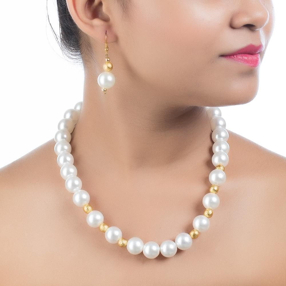 Pretty High Quality Manikarnika Movie Inspired Pearl Necklace Set