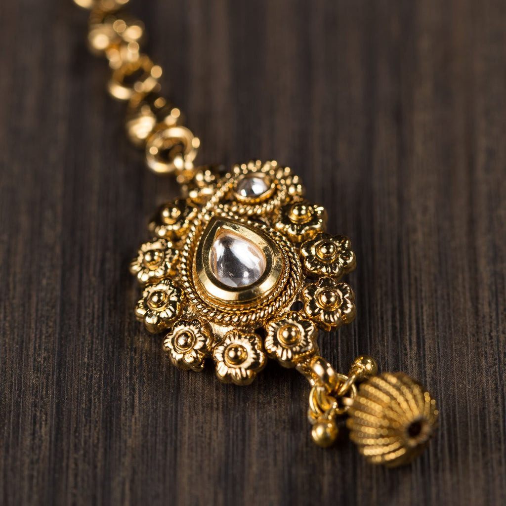 Gold Plated Mangtikka In Dull Finish