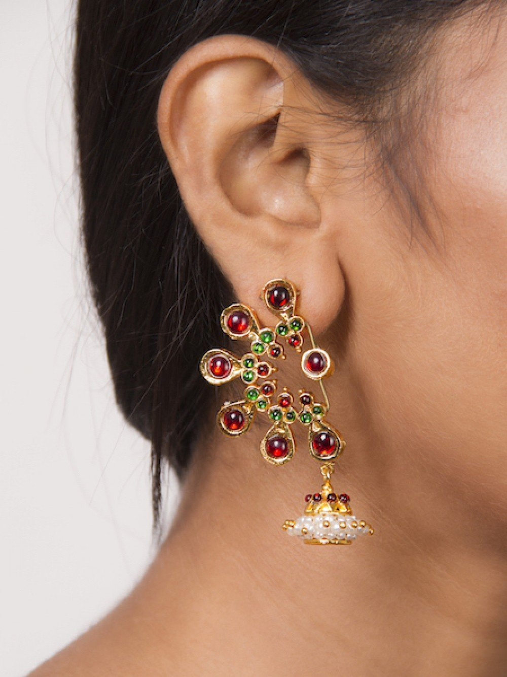 Simple Motifs With A Jhumka