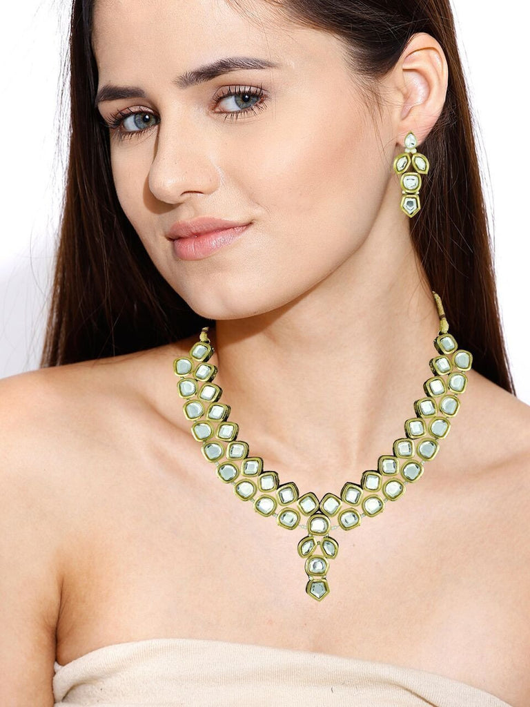 Zaveri Pearls Beautiful Kundan Necklace Set