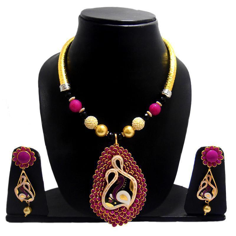 Ethnic Pacchi Pipe String Necklace Set