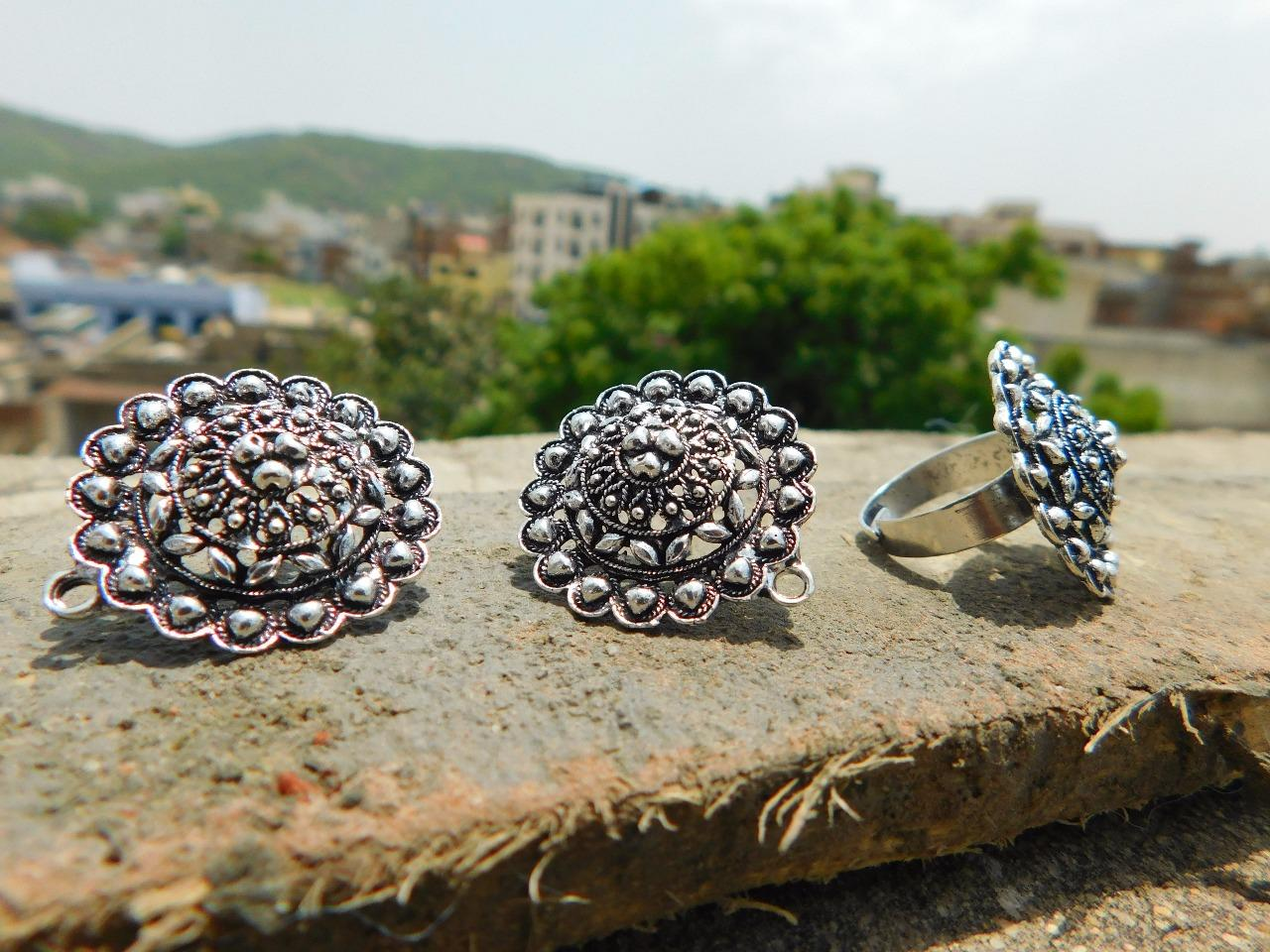 Navaratri Adjustable Finger Ring And Stud Set In Oxidized Metal Pattern 1