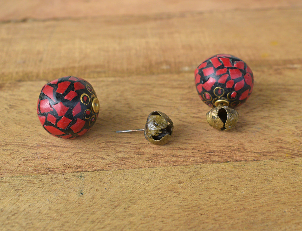 Gold Plated Floral Design Black And Red Color Stud Earring-ANETRA-Earring