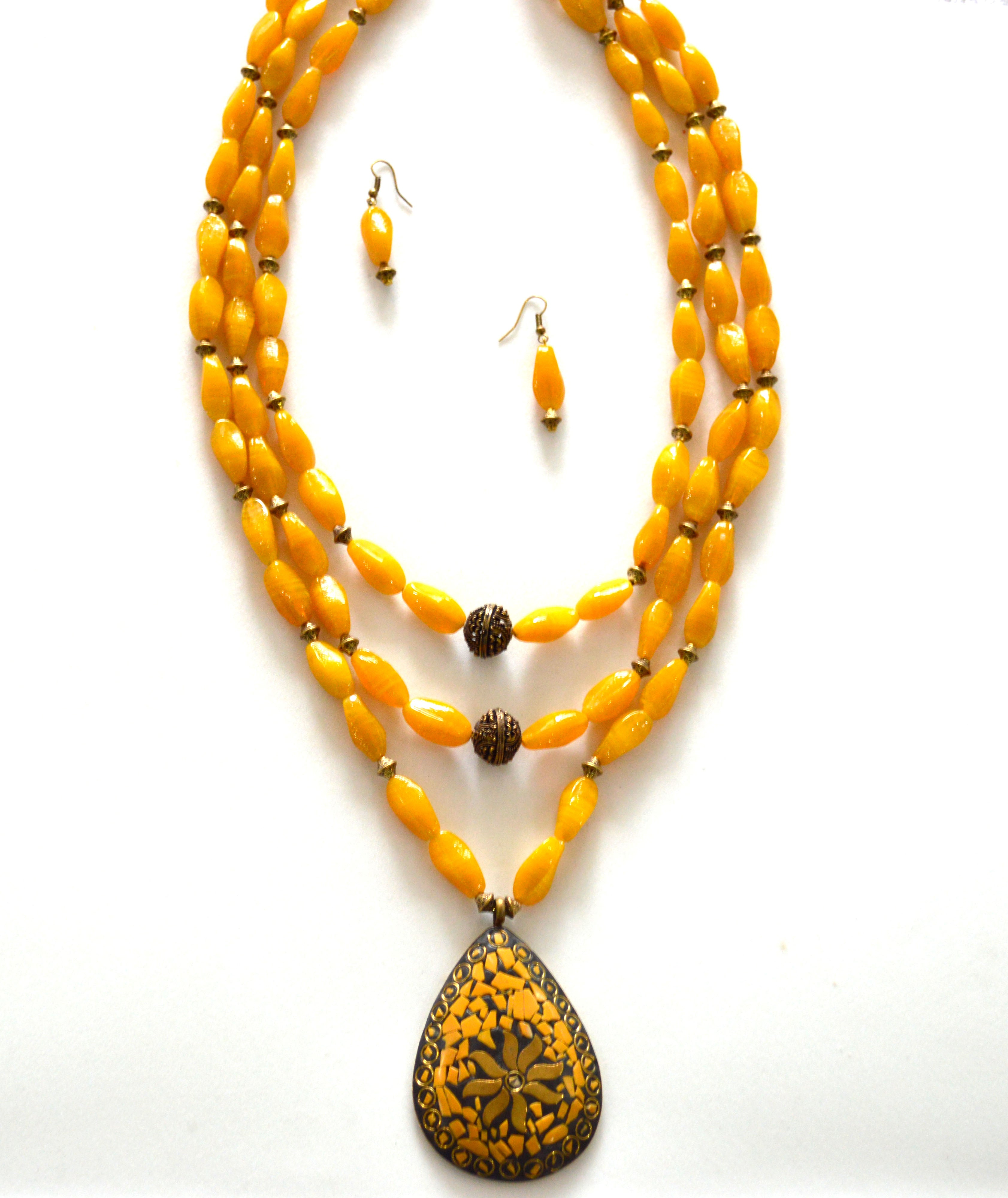 Yellow Color Glass Beads 3 Layered Necklace Set