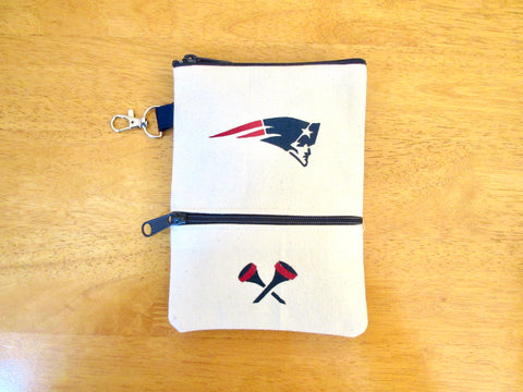 Clip on Golf Bag 8x5 with Patriots logo and navy golf ball