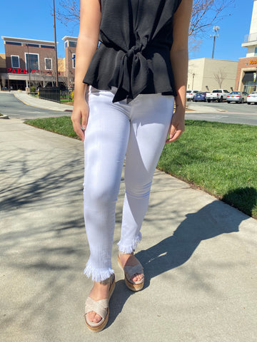 High Rise Skinny with Diagonal