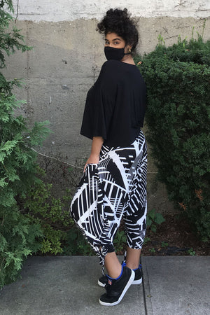 Black & White Geo Capri Harem Pant with Pockets