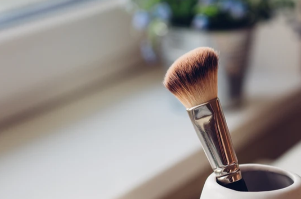 7 Essential Makeup Tips for Sensitive Skin
