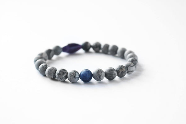 Sodalite gemstone detail stretch bracelet