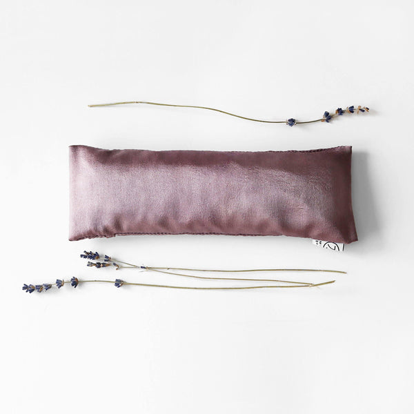 AMETHYST LAVENDER EYE PILLOW FLAT LAY