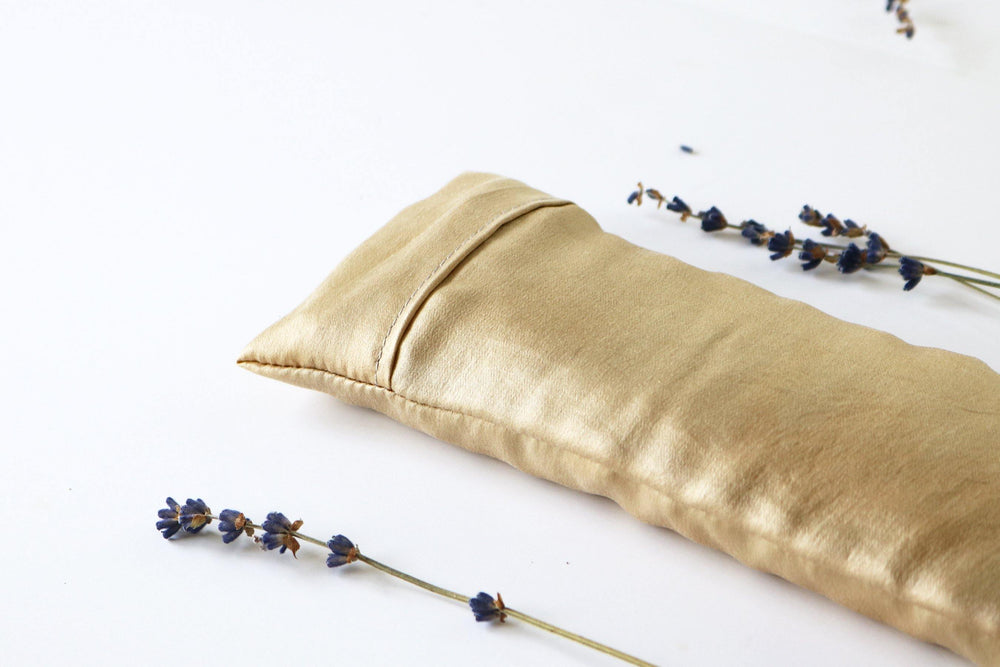 PLANT DYED SILK LAVENDER EYE PILLOW IN GOLDEN IVORY BACK DETIAL