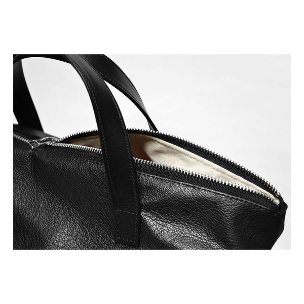 Crossbody Tote in Italian Leather detail