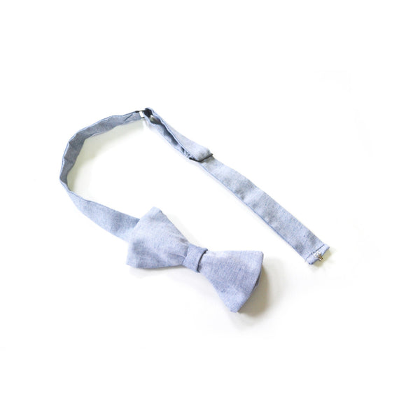 Pre-tied Bow Tie in Sky Chambray