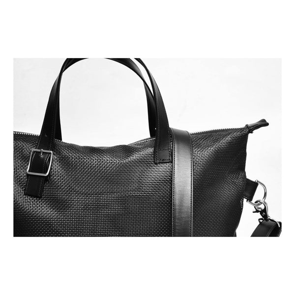 MIZU Cross Body Tote in Shadow Mesh  detail