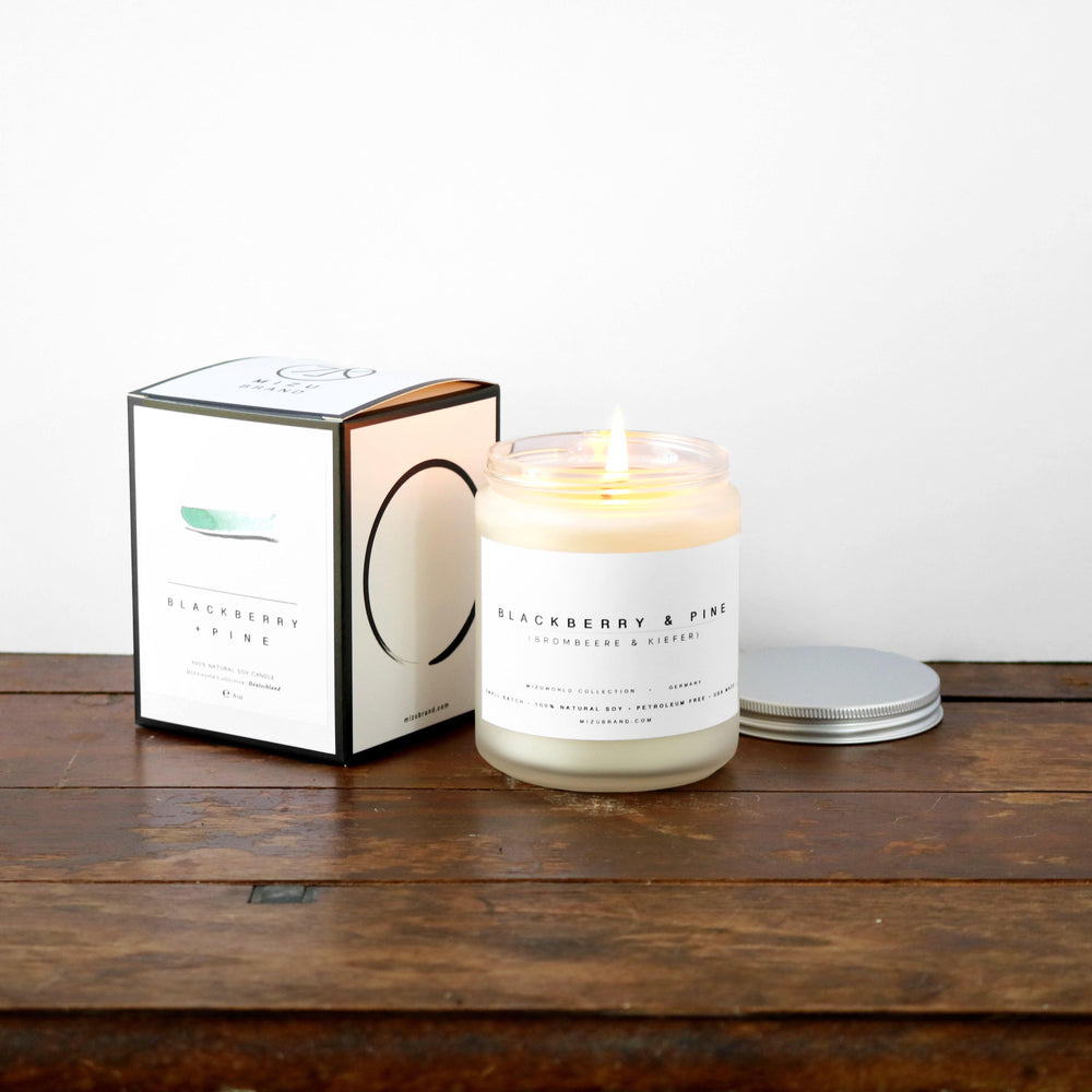 Blackberry & Pine Soy Candle / GERMANY