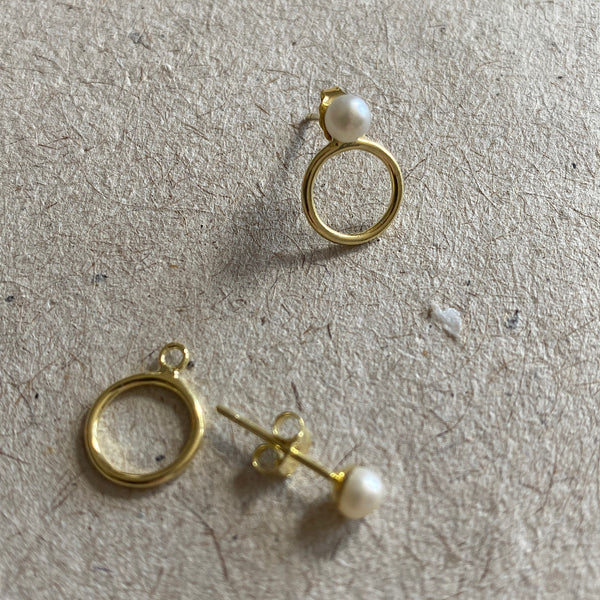 kellie earring by jim and jane gold hoop earring with freshwater pearl