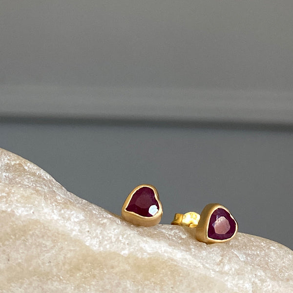 fairley jewellery ruby and gold heart shaped stud earrings