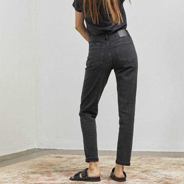 outland denim sustainable jeans lucy black jeans in ink charcoal