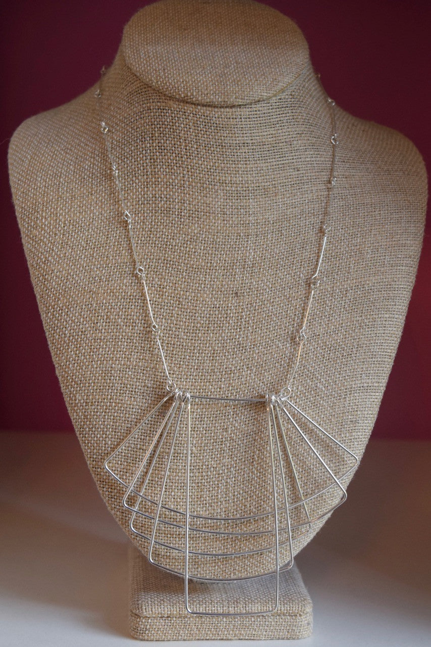 Wire Layer Overlap Necklace Silver