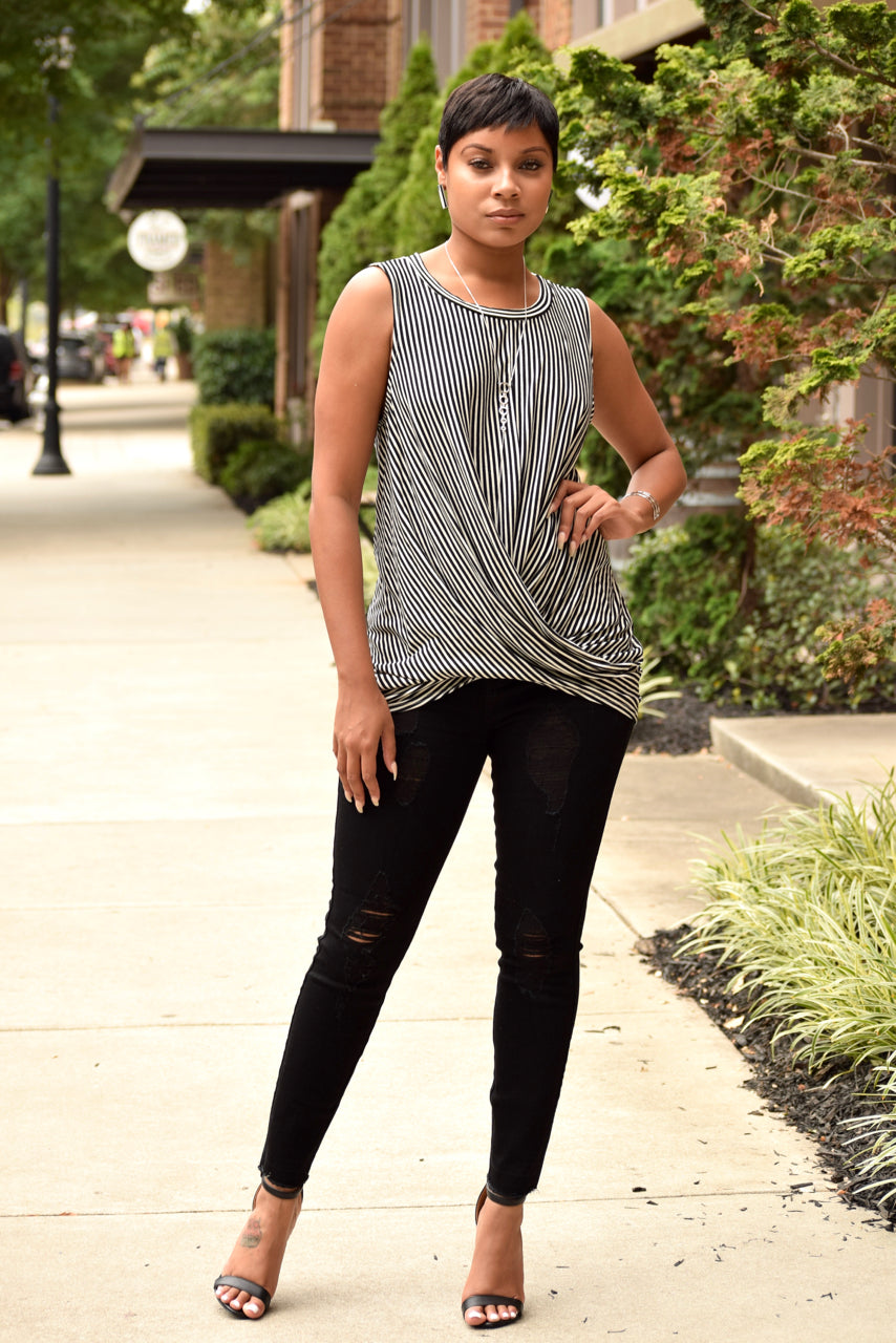 Black and White Stripe Twisted Front Knit Top