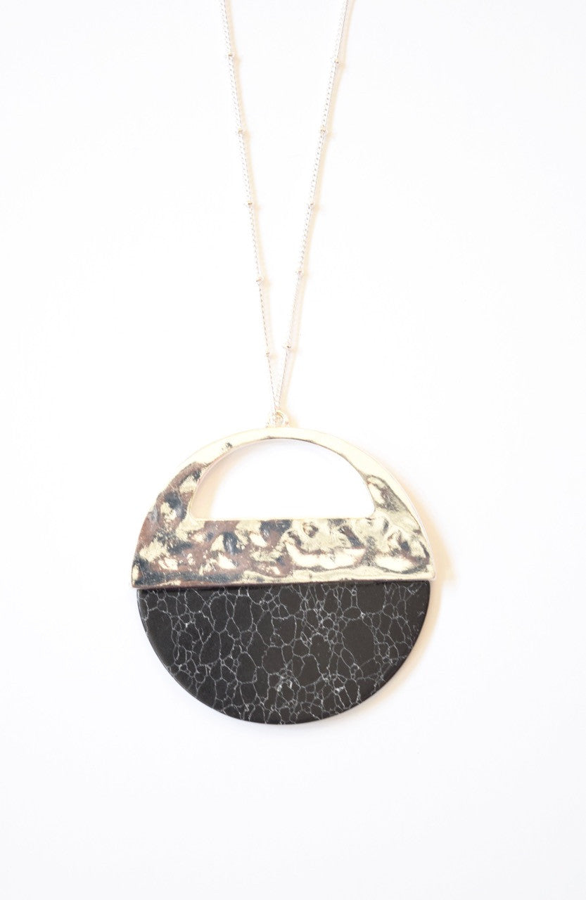 Cracked Half Stone Necklace