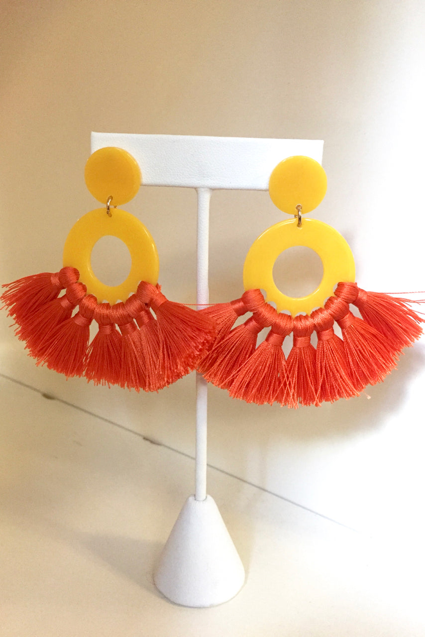 Acrylic Circle Tassel Earrings -2 Colors