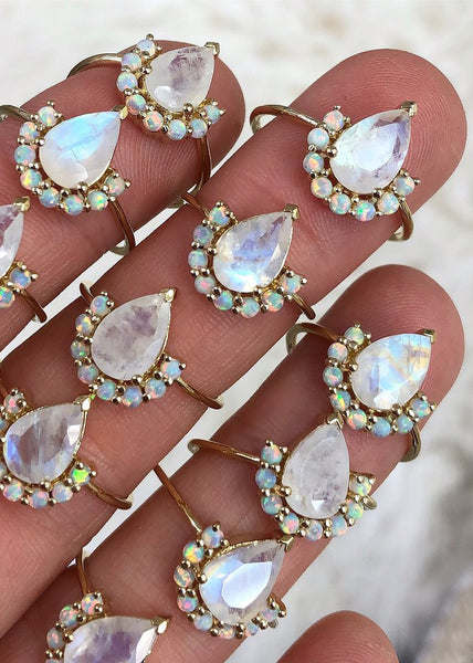 La Kaiser  |  Ballerina Ring, Opal and Moonstone