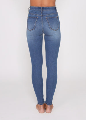 Load image into Gallery viewer, Adele Jeans (midi blue wash)