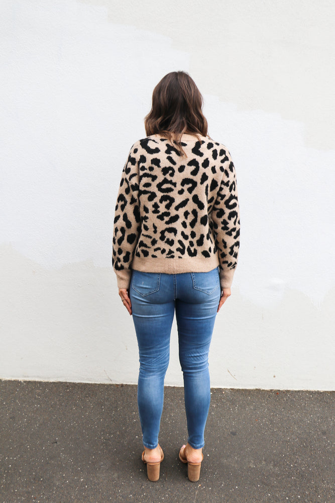 Load image into Gallery viewer, Judson Cardi (Animal Print)