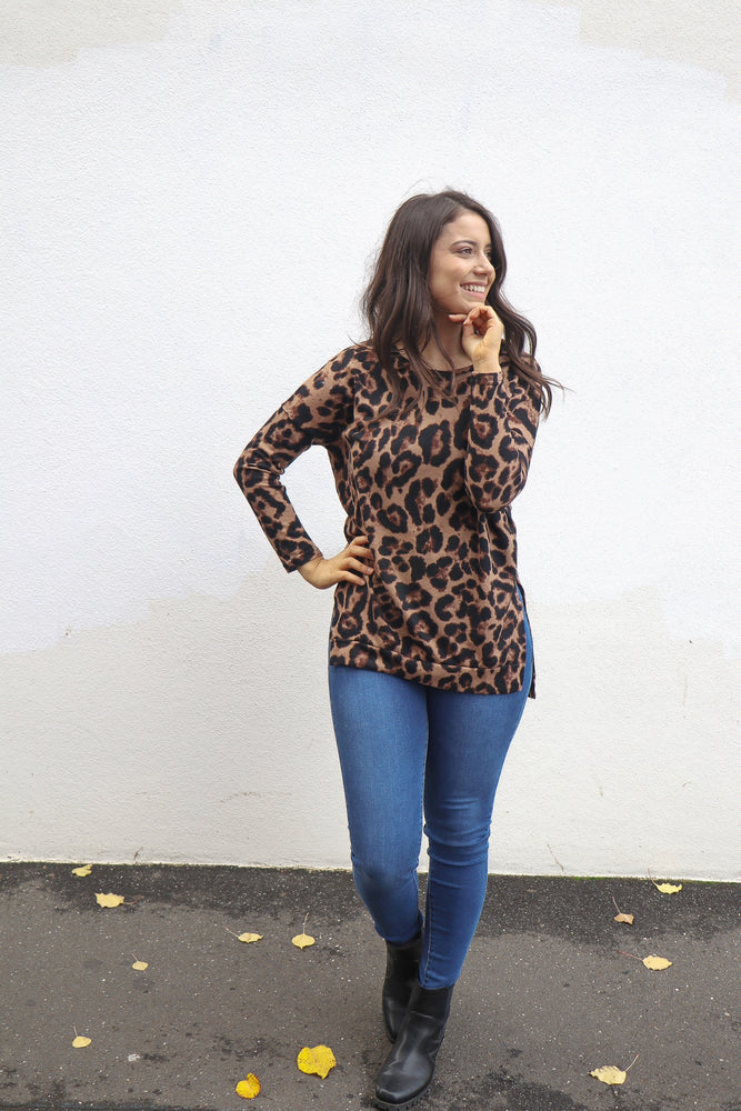Load image into Gallery viewer, Medley Top (Leopard)
