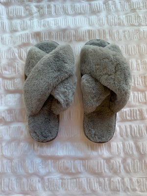 Load image into Gallery viewer, Skylar Fluffy Slippers (soft grey)