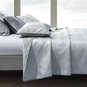 NTBAY Satin Quilt Coverlet Bed Set, 3 Piece Geometric Pattern Quilted Bedspread - NTBAY