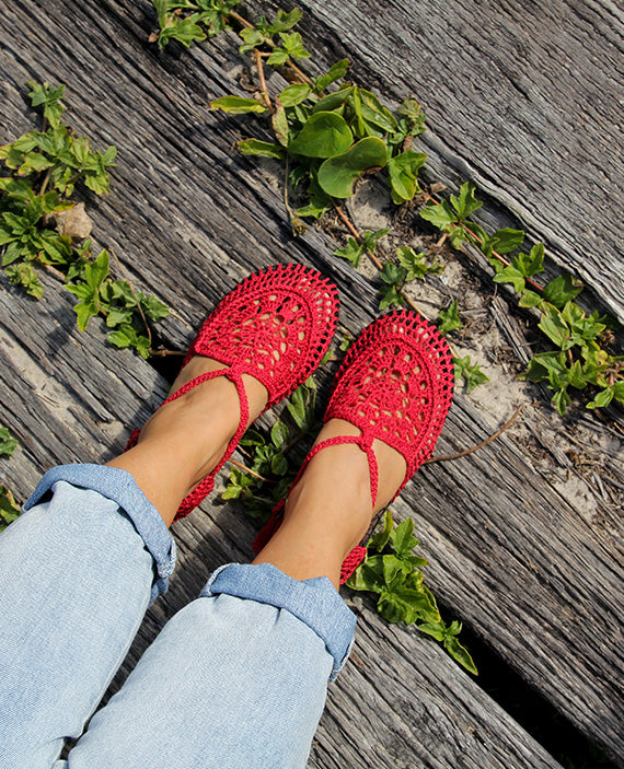 Mary Jane Cherry Red | size 5