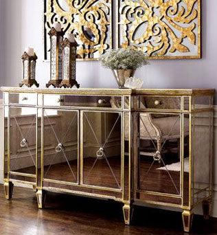 Mirrored Buffet Table