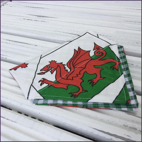 Welsh Bandana with dragon design slip-on double layer with green check (Medium)