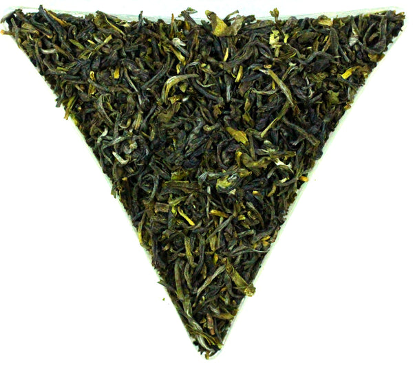 Darjeeling Nagri Estate FTGFOP Grade 1 Green Organic Tea Gently Stirred